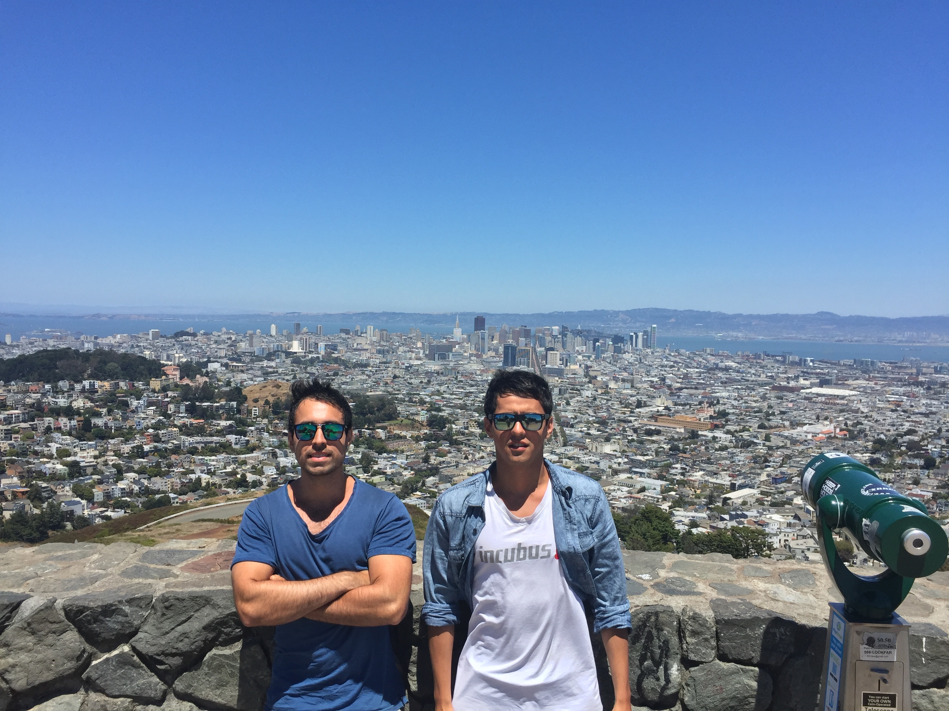 Two Chileans at twin towers in San Francisco.